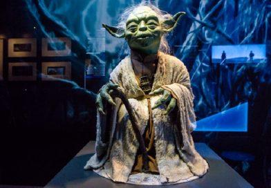 Interactieve tentoonstelling Star Wars Identities in stijl geopend door Darth Vader