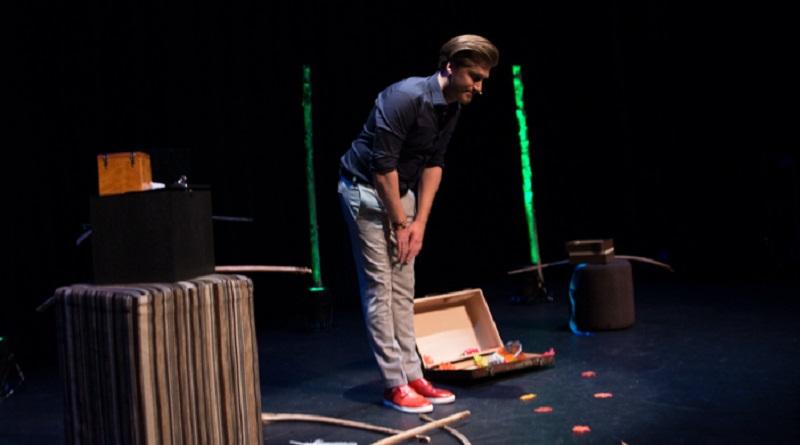 Niels Houtepen maakt theaterdebuut